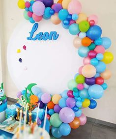 Shark Birthday Cakes, Boy Birthday Parties, Baby Shower Parties, Birthday Party Decorations, Rainbow Balloons, White Balloons, Latex Balloons, Balloon Garland, Balloon Decorations