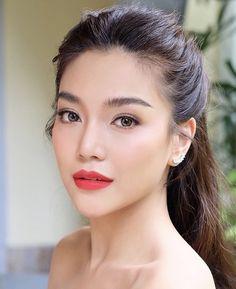 Multitasking Primers That Actually Conceal Your Pores - Wedding makeup Asian Wedding Makeup, Natural Wedding Makeup, Wedding Hair And Makeup, Hair Makeup, Asian Makeup Natural, Natural Makeup Brands, Eye Makeup, Natural Beauty, Beauty Make-up