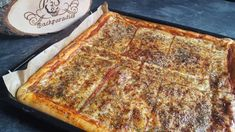 Magarita-Blechpizza - Rezept von Punds Backparadies Magarita, Cheese, Food, Sheet Pan, Oven, Food Food, Eten, Meals, Diet