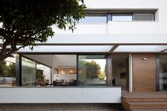 G House/Architects: Paz Gersh Architects/Location: Ramat hasharon, Israel  Architect: Paz Gersh  Project Year: 2011  Project Area: 250 sqm  Photographs: Amit Giron