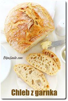 Chleb z garnka Dzisiaj mam dla was chleb z garnka. Przyznam, że chleb z garnka to dla wielu osób coś nowego. W czym chleb z garnka jest lepszy od innych. A już piszę, po pierwsze się