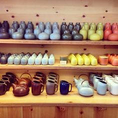 Eat + Drink - Neely Wang Photography and Design Heath Ceramics, Porcelain Ceramics, Ceramic Pottery, Japanese Ceramics, Contemporary Ceramics, Muji, Simple Shapes, Kitchen Gadgets, Stoneware