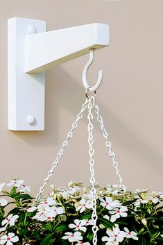 Wall Plant Hanger, Plant Wall, Wall Hooks, Mid Century Living Room, Deck Decorating, Flower Farm, Garden Chairs, Plant Holders, Hanging Planters