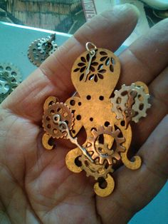 Another Cthulu pendant made by Steampunk Amore
