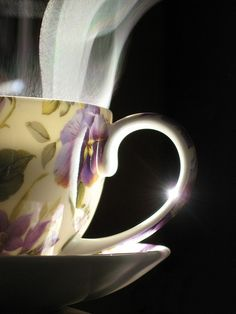 Steamy cuppa!  bee-yoo-tee-ful!  And I really really wish I could smell the aroma of the flavoured steam...