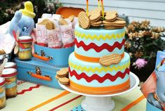 Dumbo themed baby shower - this would be a cute baby shower idea for my sister when she get pregnant!