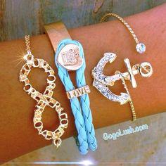 Love that anchor bracelet!