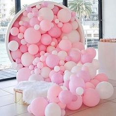 Pretty in pink! And what a feature! This has me dreaming up balloon backdrops for a DIY photo booth regram @luxuryweddingsblogger #prettyinpink #balloons #weddingdecor #weddingdiy #weddingideas #weddinginspiration #weddinginspo #balloondecor #ombre #pink #weddingtasker #weddingplanner #weddingblog #weddingblogger #eastlondon #london #devinebride