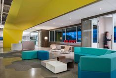 Kilroy Realty Leasing Office – in Irvine, CA – Office lounge Top Interior Designers, Commercial Interior Design, Best Interior Design, Commercial Interiors, Luxury Interior, Office Reception Design, Corporate Office Design, Corporate Interiors, Office Interiors
