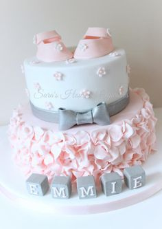 Pretty Baby shower  - Cake by Sara's House of Cupcakes