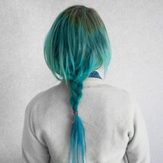 add teal chalk to your hair for a funky look
