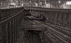 Three bridges at Farringdon. Abandoned Train Station, Old Train Station, Train Stations, London Underground Train, London Underground Stations, Three Bridges, Model Railway Track Plans, Women Health, London Photos