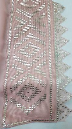 Telkırma Bead Embroidery Patterns, Hand Work Embroidery, Shirt Embroidery, Embroidery Thread, Embroidery Designs, Beaded Embroidery, Couture Embellishment, Gold Work, Crochet Doilies