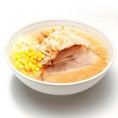 ラーメン一番 - 料理写真:肉や野菜類をじっくり煮込んだタレで作るコク旨正油スープ。 大きなチャーシュー1枚、メンマ、もやし、ネギ、コーンをトッピングした当店のスタンダードメニュー。