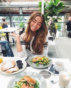 "Gefällt 15.5 Tsd. Mal, 215 Kommentare - Matiamu.com | Sofia Tsakiridou (@matiamubysofia) auf Instagram: ""happy little to spent my travelday close to my hometown, seeing my family finally again…"""