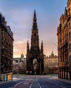 One of the most recognisable sights in Edinburgh, the Scott Monument❣️✨ Brilliant shot of this outstanding memorial to Sir Walter Scott… Edinburgh Travel, Edinburgh Scotland, Edinburgh Photography, Travel Photography, Scott Monument, Architecture Wallpaper, Gothic Architecture, Amazing Buildings, British Isles