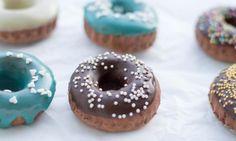Baked chocolate donuts with vanilla + choco + almond glaze Chocolate Donuts, Doughnut, Glaze, Almond, Vanilla, Baking, Food, Enamel, Bakken