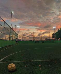 Girls Soccer, Football Soccer, Football Boots, Basketball, Soccer Backgrounds, Soccer Photography, Nature Photography, Soccer Pictures, Photo New