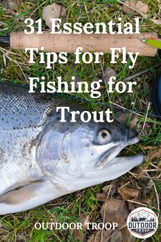 Just beginning to fly fish, and aren't having much success? Here, we have come up with 31 essential tips for fly fishing for trout! Fly Fishing Lanyard, Fly Fishing Knots, Trout Fishing Tips, Fishing Lures, Fishing Tricks, Fishing Guide, Fishing Rods, Carp Fishing, Ice Fishing