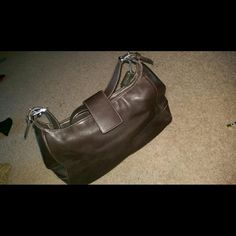 Coach leather bag Shoulder bag. Hardly used. Coach Bags