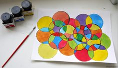Leuk om met kinderen te knutselen: een schilderij van cirkels! Leuke opdracht met ecoline en Oost-Indische inkt voor in de midden- of bovenbouw en nog simpel ook! / Nice craft for kids: a painting made out of circles! Painted with watercolor and ink, easy craft for kids in middle school!