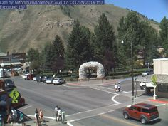 Jackson Hole, Wyoming - several live cams to view this beautiful town