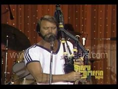 "▶ Glen Campbell plays bagpipes on ""Mull of Kintyre""- (Merv Griffin Show 1981) - YouTube"