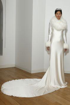 Vestido de novia invernal de Amanda Wakeley (FW 2014) #weddingdresses #NYBW