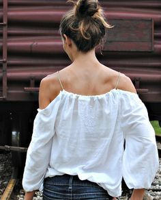 DIY of shoulder shirt sewing project, tutorial by Trash To Couture. « Outi Les Pyy