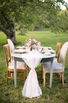 Styled shoot at Lost Acres Orchards in Granby, CT. Photography by Brooke Ellen & Alison Marie. See more @intimateweddings.com #styledshoot #weddinginspiration