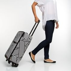 Fly With Me >> Love this bag, fun black and white style.