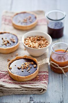 macadamia, milk jam + chocolate ganache tarts • tartelette