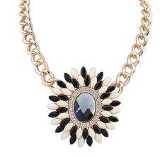 Flower Design Bib Necklace Chain with Oval Diamond