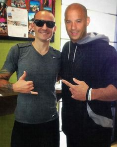 Even if this picture WAS Photoshoped, who wouldn't love these two guys together? Chester Bennington and Vin Diesel, two of my favorite in one!