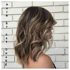 Balayage Medium Hairstyles for Thick Hair - Ash blonde balayage highlights on medium hair