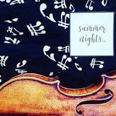Letnie noce. Planszówki i rozmowy do rana czy wpatrywanie się w gwiazdy?  ______________ Napis: @littlecup_official  ______________ #violinist | #violino | #violin | #skrzypce | #musicianlife | #summernight | #lovely_squares_1 | #sheetmusic | #nuty | #geige | #fiddle | #luthier | #wooden | #flatlaytoday | #orchestra | #stringquartet | #seekinspirecreate | #classicmusic | #9vaga_stillife9 | #gottalove_a_ | #nothingisordinary | #musicnotes | #notes | #global_ladies | #lettering | #bestmusic…