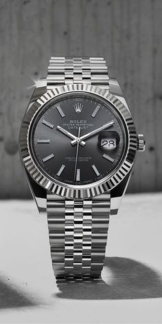 Rolex Watches New Collection : The Rhodium dial Datejust 41 in white Rolesor – a combination of Oystersteel a. - Watches Topia - Watches: Best Lists, Trends & the Latest Styles Rolex Watches For Men, Luxury Watches For Men, Cool Watches, Men's Watches, Unusual Watches, Sport Watches, Vintage Rolex, Vintage Watches, Rolex Datejust Ii
