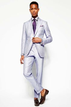 Our destination wedding suit of the week is by Tom Ford. Made from silk cotton this single-breasted suit features patch pockets and a peak lapel.