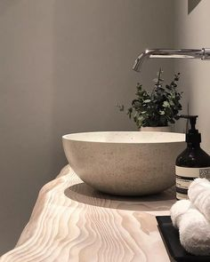 A beautiful palette and combination of materials in this bathroom design by which features our Rena countertop basin in Ivory. Concrete Sink Bathroom, Concrete Basin, Wood Sink, Concrete Bowl, Bathroom Sink Bowls, Diy Concrete, Bathroom Faucets, Concrete Projects, Bathroom Design Inspiration
