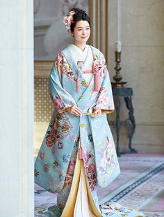 百花繚乱 花嫁のきもの全集 | ウエディング | 25ans(ヴァンサンカン)オンライン Elegant Outfit, Elegant Dresses, Beautiful Dresses, Japanese Wedding Kimono, Japanese Costume, Kimono Design, Kimono Pattern, Kanzashi, Anarkali Dress