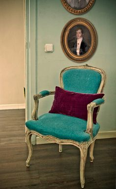 Chair, Colors, Round-Framed Napoleon!