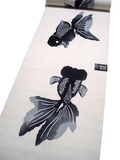 Fish painting for fabric of a yukata Fabric Yarn, Kimono Fabric, Japanese Textiles, Japanese Art, Rugs On Carpet, Carpets, Classic Clothes, Koi Carp, Phish