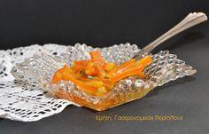 Χρυσά ραβδάκια από φλούδες πορτοκαλιού, της χαλάρωσης και της κουβέντας… Αν έχετε φρέσκα πορτοκάλια με μυρωδάτη τρυφερή φλούδα, μην την πετάξετε όταν τα καθαρίσετε! Φτιάξτε ένα εύκολο και νόστιμο γ… Sweet Treats, Menu, Cooking, Recipes, Food, Menu Board Design, Cuisine, Cheer Snacks, Sweets