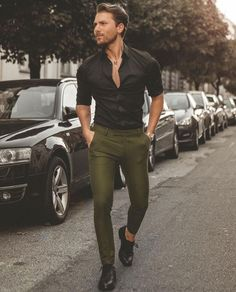 Mens Fashion – Designer Fashion Tips Green Shirt Outfits, Black Shirt Outfit Men, Chinos Men Outfit, Shirt Men, Mens Black Shirt, Outfit Hombre Casual, Formal Men Outfit, Men Formal, Mens Fashion Blog