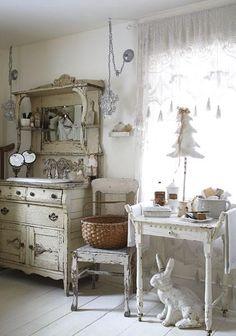 chabby chic bathroom- LOVE this bathroom sink/hutch