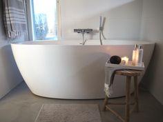 Kuistin kautta: TALOKIERROS: Kylpyhuone Fresh And Clean, Bathroom Cleaning, Spa, Bathtub, Relax, Laundry, Home, Blog, Standing Bath