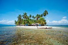 Isla Dupasunika en el archipiélago de San Blas, también conocido como Islas Kuna Yala, Panama