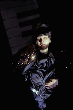 YOONGI #WINGS CONCEPT PHOTO !! HIS DARK HAIRRR ❤
