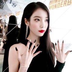 korean makeup – Hair and beauty tips, tricks and tutorials Beauty Art, True Beauty, Korean Makeup Tutorials, Beautiful Voice, Beauty Blender, Korean Actresses, Glow Kit, Korean Fashion, Belle