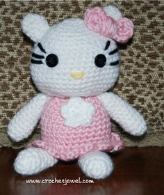 This crochet amigurumi kitty is adorable! Crochet Hello Kitty Softie - Media - Crochet Me